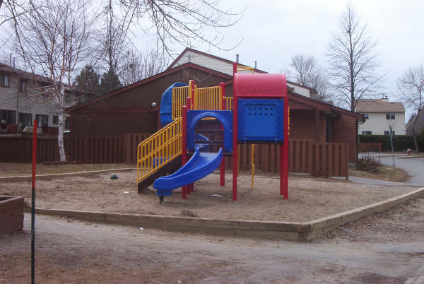 Kids Play Structure (2)